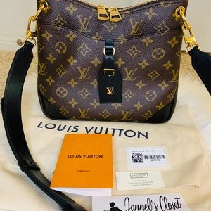 Louis Vuitton ODEON PM in Noir Black